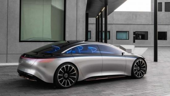 Германия – В Daimler назрява криза за акумулаторни батерии за електромобили – компанията отрича