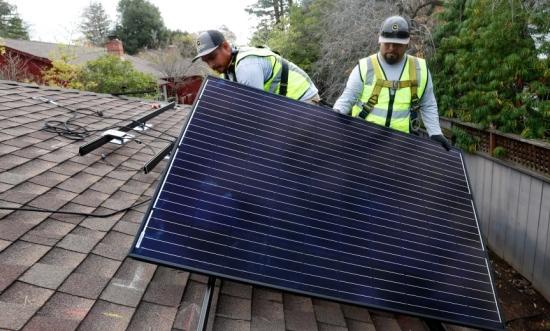 САЩ – В Калифорния от 1 януари всички нови жилищни сгради с височина до три етажа трябва да имат слънчеви панели