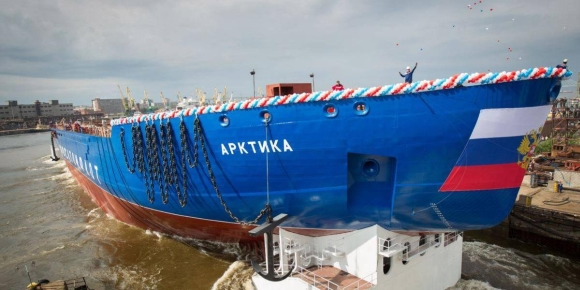 """""""Росатом"""" може да приеме най-мощния ледоразбивач в света """"Арктика"""" с дефект на един от двигателите"""