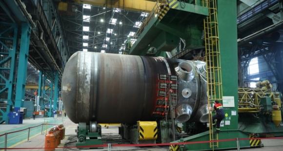 """В «Атомэнергомаш» завърши окончателното заваряване на корпуса на реактора за АЕЦ """"Аккую"""""""