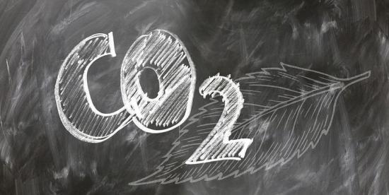 Центровете за обработка на данни (ЦОД) по света генерират същото количество CO2 както и авиокомпаниите