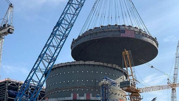 """В 4-ти блок на АЕЦ """"Вогтл"""" е монтиран капакът на защитната обвивка на ядрения остров"""