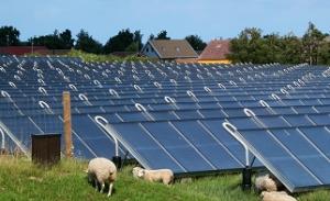 Великобритания ще изгради слънчева ферма с мощност 350 MW и най-голямата система за съхраняване на електроенергия