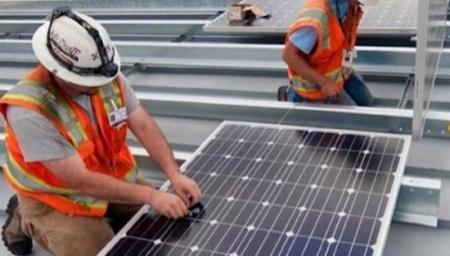 САЩ – Слънчевата промишленост бързо губи работни места