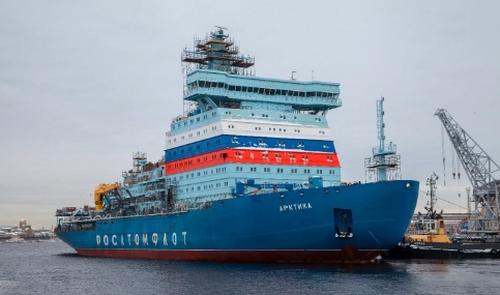 """Водещият универсален атомен ледоразбивач """"Арктика"""" излезе за последния етап от морските изпитания"""