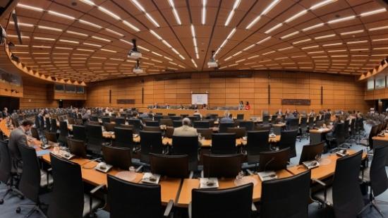 Резолюцията предложена от Франция, Германия и Великобритания срещу Иран беше подкрепена от 25 члена на Управителния съвет на МААЕ