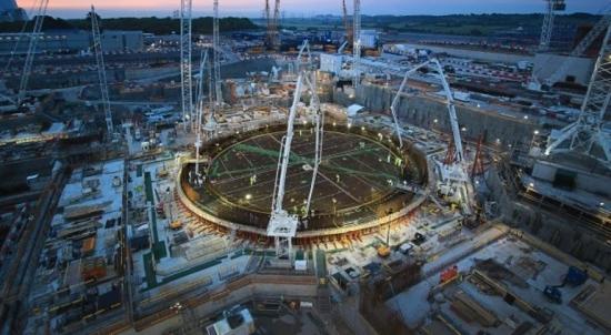 """UK / държавата """"трябва да се ангажира отсега"""" с най-малко 10 GW нови ядрени мощности"""