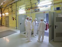 """АЕЦ """"Чернобил"""" циментира течните радиоактивни отпадъци в 200-литрови варели"""