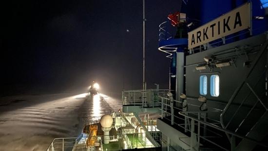 """Пилотният атомен ледоразбивач """"Арктика"""" по проекта ЛК-60Я завърши първата си мисия по Северния морски път"""