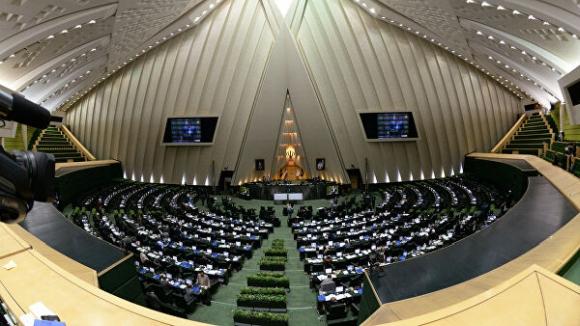 Иранска парламентарна комисия одобри проект за повишаване нивото на обогатяване на уран