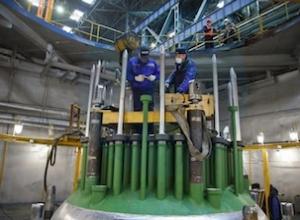 """""""Атоммаш"""" извърши контролното сглобяване на ядрения реактор от нов тип за Курската АЕЦ-2"""