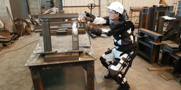 Екзоскелети – защо ги тестват при изгражднето на АЕЦ