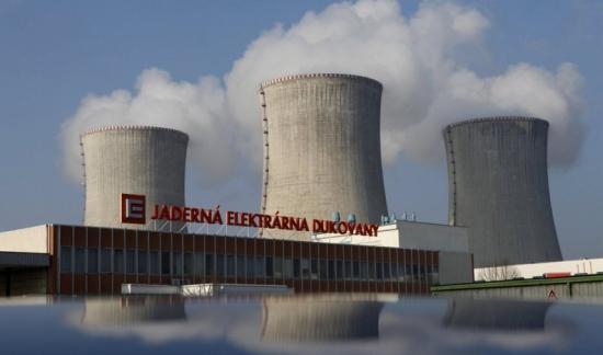 Премиерът на Чехия ще обсъди с лидерите на опозицията подготовка на търг за нов ядрен енергиен блок