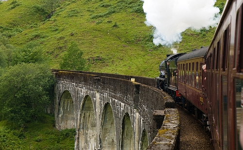 В Шотландия до края на 2021 година започва да пътува първият водороден влак
