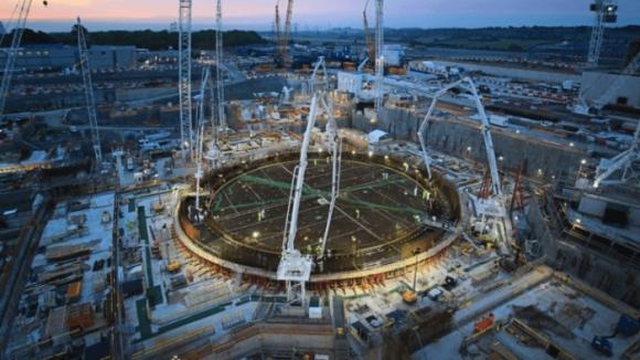 """Разходите по изграждането на АЕЦ """"Hinkley Point C"""" се увеличават с 500 милиона британски лири, а закъснението расте"""