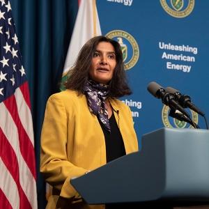 Рита Баранвал подава оставка като помощник-секретар по ядрената енергия на министъра на енергетиката на САЩ