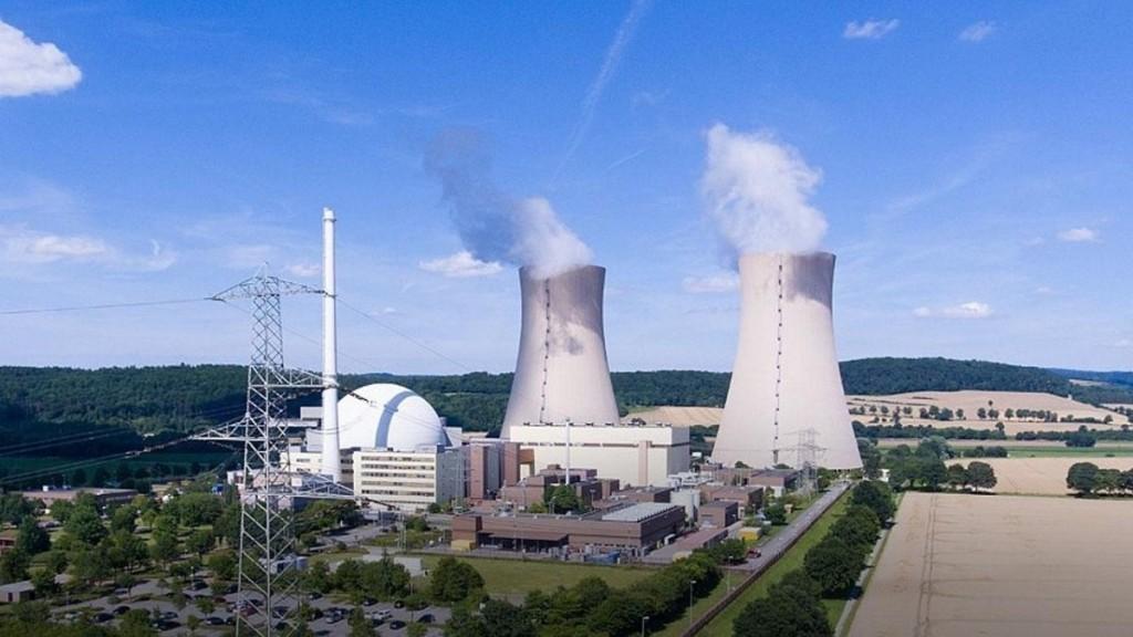 """Германската АЕЦ """"Gronde"""" и канадската АЕЦ """"Darlington"""" поставят световни рекорди по производство на електроенергия и непрекъсната работа"""