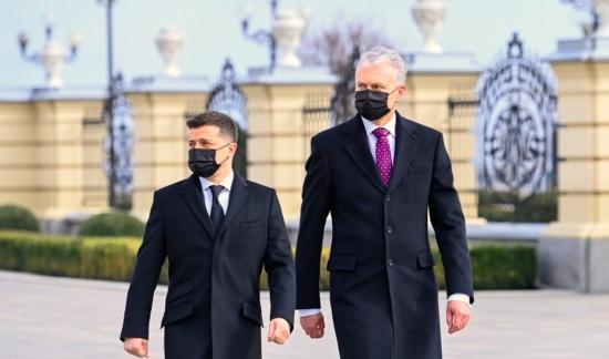 """Президентът на Литва се договори с Владимир Зеленски за бойкот на """"небезопасната електроенергия"""" от Беларуската АЕЦ"""