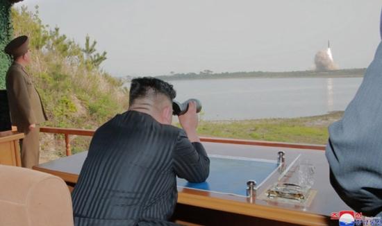 Доклад: Северна Корея може да има почти 250 ядрени оръжия до 2027 г.