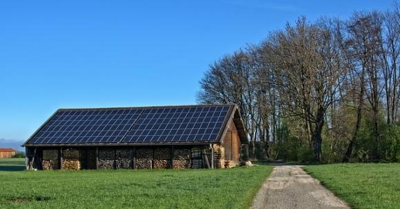 Село в Швеция изцяло премина към слънчева и вятърна енергия