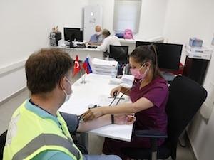 Масова ваксинация срещу COVID-19 е организирана на строителната площадка на турската атомна електроцентрала Akkuyu