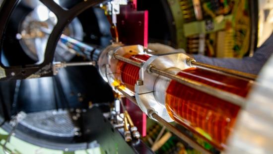 CERN тества руски свръхпроводници за пръстеновидния ускорител на бъдещето