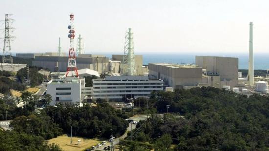 """Пожарникарите не откриха източник на запалване в японската атомна електроцентрала """"Хамаока"""""""