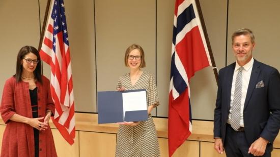 САЩ и Норвегия съвместно ще разреждат норвежките запаси от ВОУ