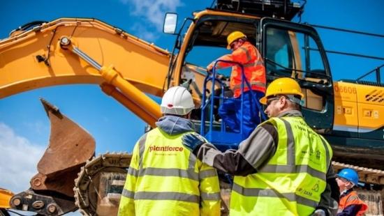 Синдикатите на Обединеното кралство призовават правителството да подкрепи проектите за строителство на нови АЕЦ