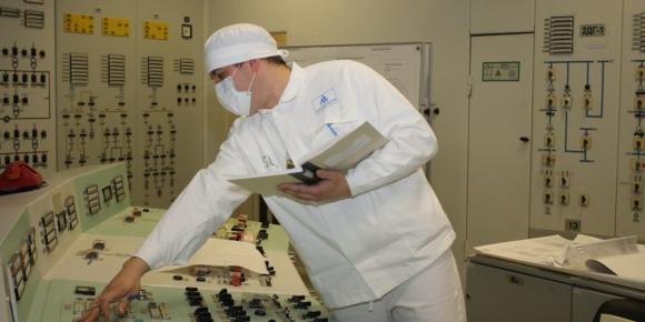 В Ленинградската АЕЦ започна изваждането на горивото от реактора на енергоблок № 2
